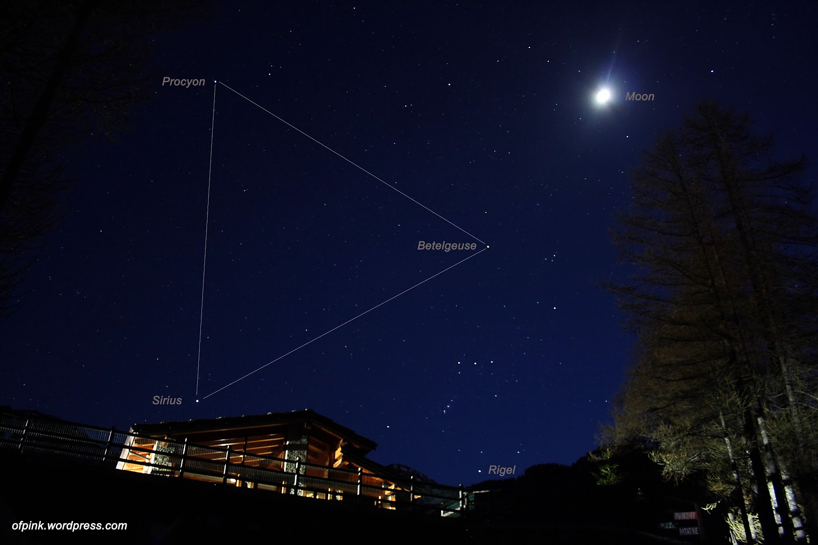 Tam giác mùa đông và Mặt Trăng bởi Stefano De Rosa.