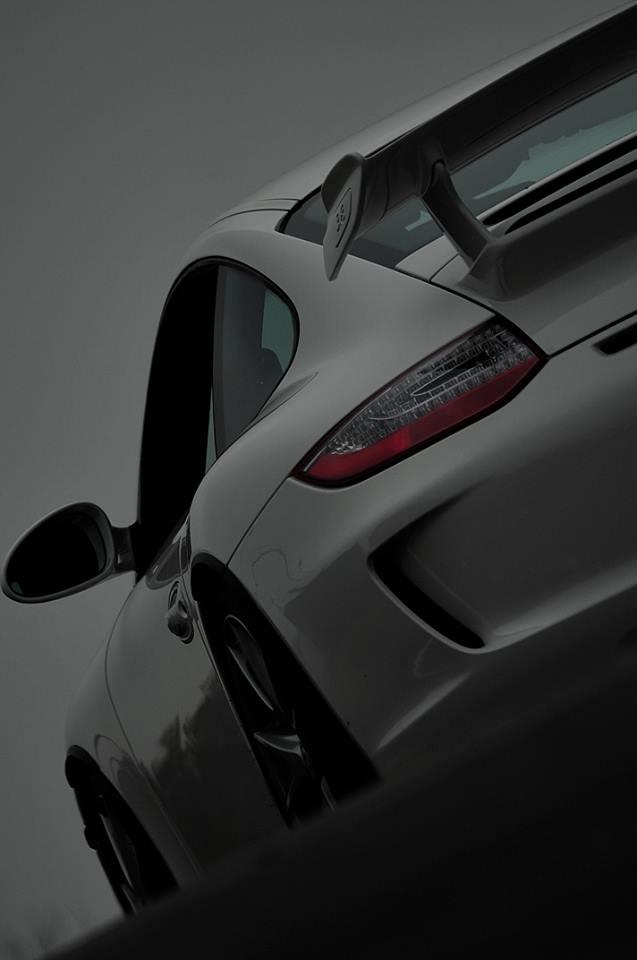 GT3 リアウィングの魅力。
