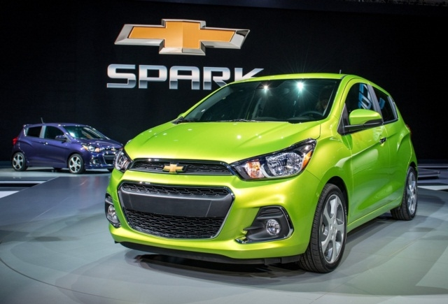 can-canh-chevrolet-spark-2016-1