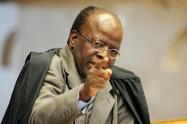 Joaquim Barbosa abusa do poder no STF