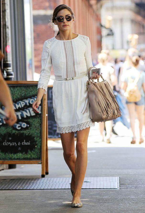 Moda - Vestido em renda e mala com franjas