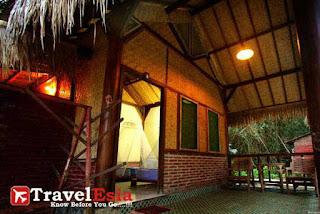 http://www.travelesia.co/2013/02/pantai-plengkung-surga-tersembunyi-di.html