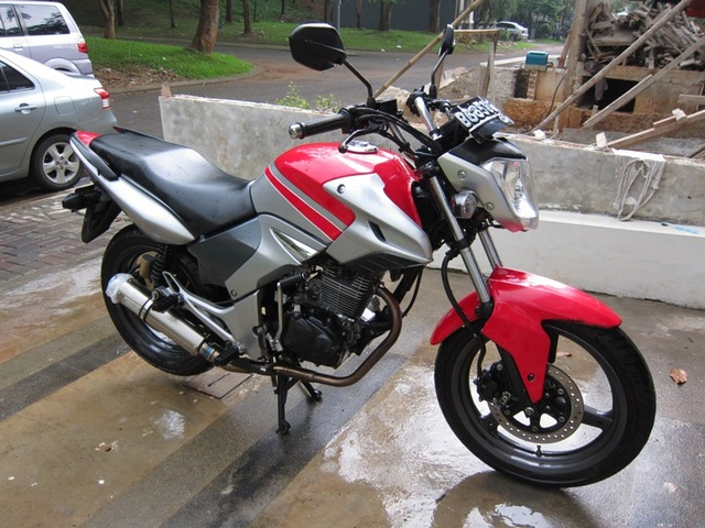 Modifikasi Honda Tiger Ceper title=