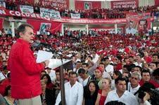 Pedro Joaquín Coldwell afirma en Tuxtla que el PRI no está en los extremos.