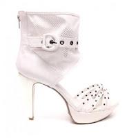Sandale tip cizma online