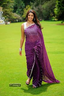 Richa-Gangopadhyay