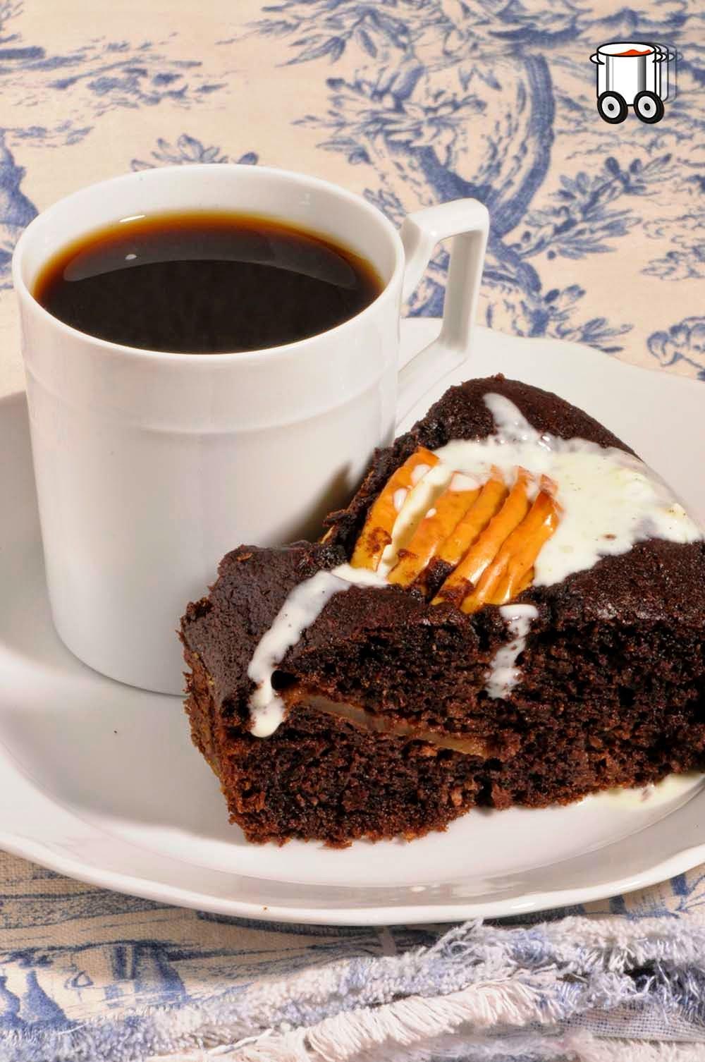 Szybko Tanio Smacznie - Wielkanocne ciasto czekoladowe z jabłkami (bez glutenu, bez masła, bez laktozy). Babka