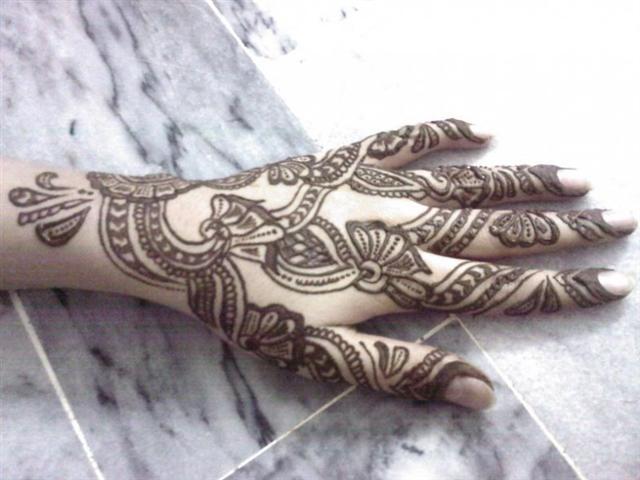 Mehndi Hand Arabic