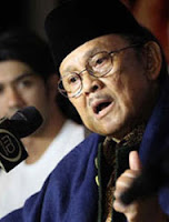 Seribu Puisi Habibie