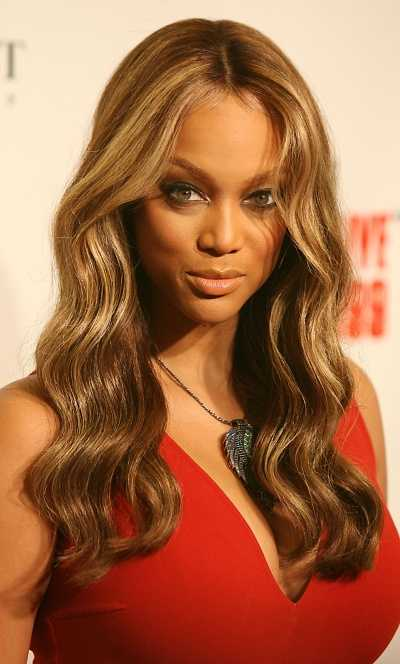 wavy medium hairstyle. tattoo Wavy Short Hair Styles