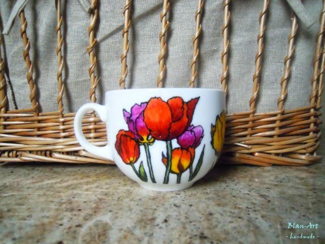 filiżanka tulipany