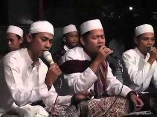 Download Mp3 Sholawat (Laila Haillallah - Babul Musthofa Pekalongan)