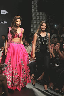 Ileana DCruz Showstopper at LFW 2014 (2).jpg