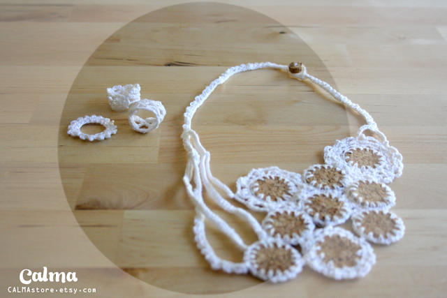 Crochet necklace white lace and cork  and Rings by CALMAstore