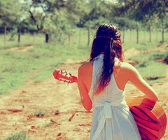 Bom é louvar ao SENHOR, e cantar louvores ao teu nome, ó Altíssimo; Salmos 92:1