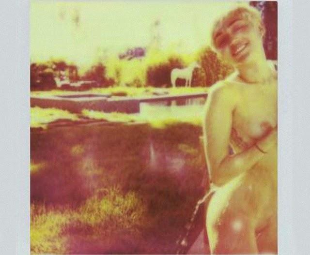 Famosa Miley Cyrus desnuda en V Magazine