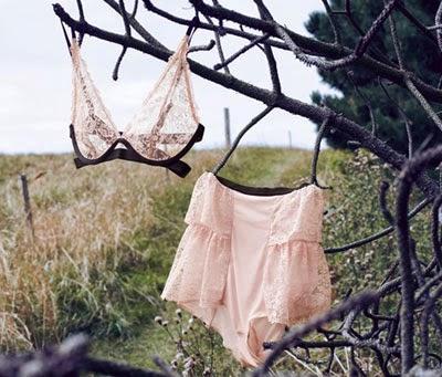 Triumph lencería colección primavera verano 2014 Helena Christensen
