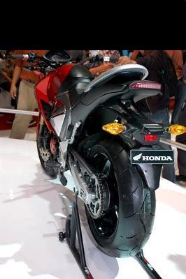 New Mega Pro CB1000R Wannabe.JPG