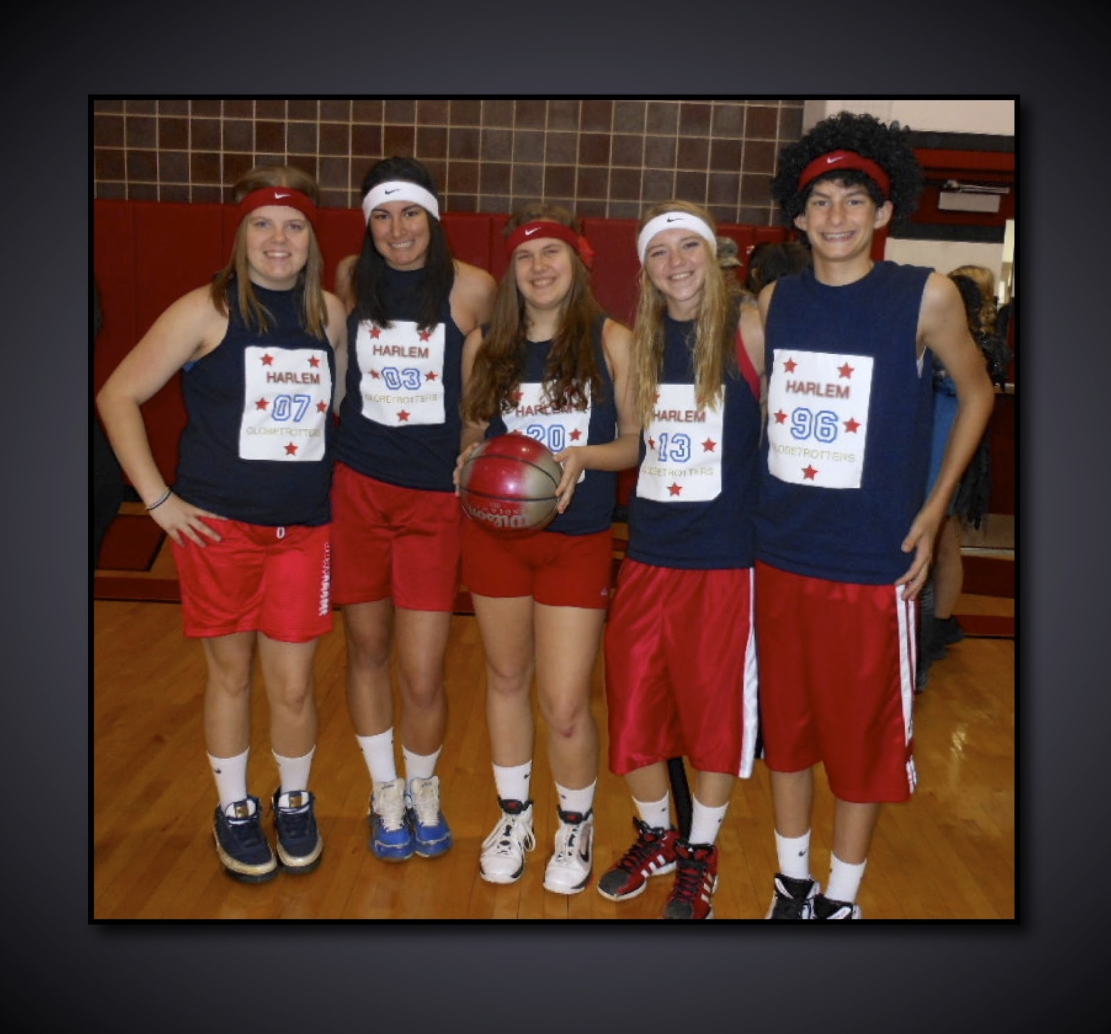 group costume globetrotters memes halloween costume