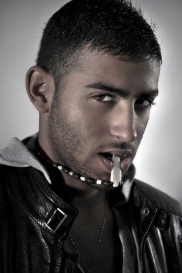 acteur porno gay grosse bite plan branle gay