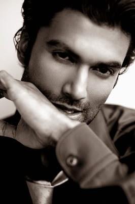 American Actor Sendhil Ramamurthy HD Wallpapers