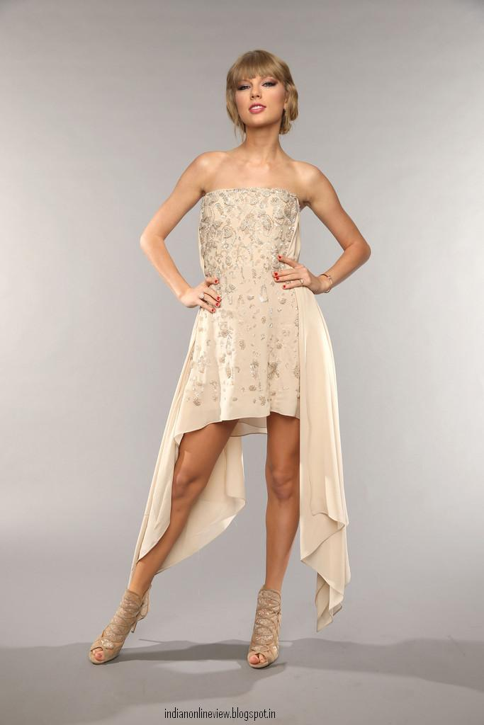 Taylor Swift Feet