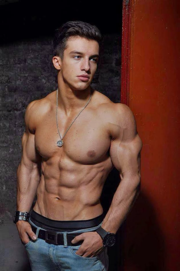 Tim Gabel : younger lean muscle guy