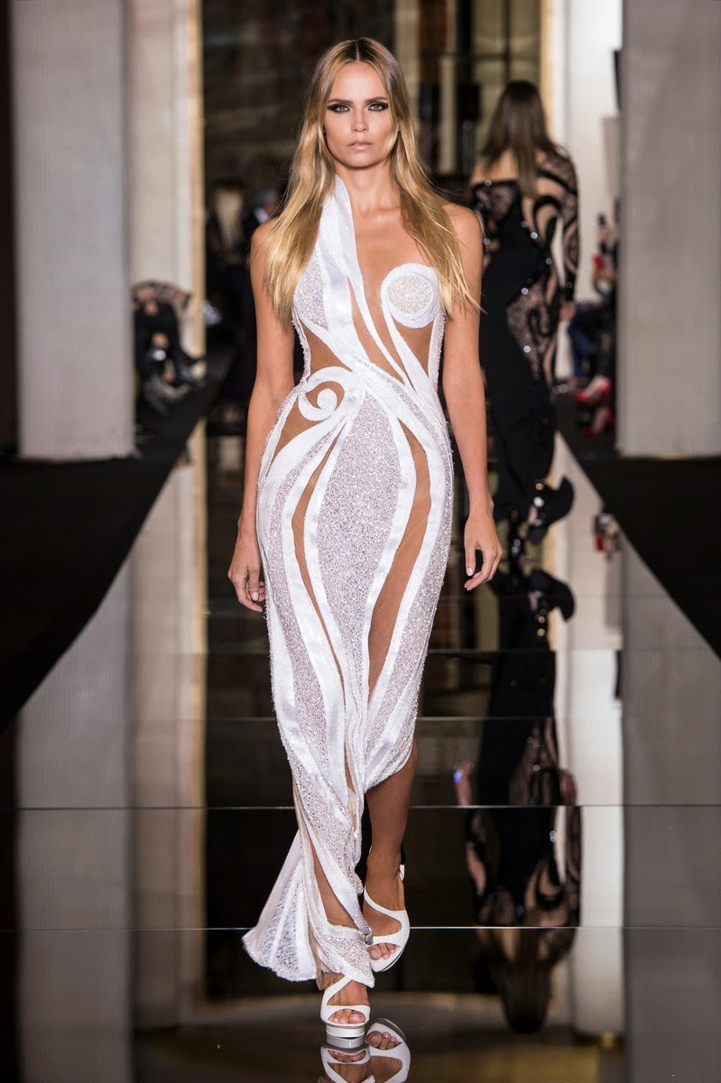 Atelier Versace spring summer 2015, Atelier Versace ss15, Atelier Versace, Versace couture, Versace haute couture, du dessin aux podiums, dudessinauxpodiums, gianni versace, versace mansion, versace logo, fashion trends, versache, famous fashion designers, versace collection, house of versace, fashion runway, versage, versace versace, donatella versace young, versace house, versaci, 范思哲, versace medusa, versace bag, versace clothes, paris couture, paris haute couture, haute couture, paris haute couture fashion week, ladies clothes, robes de soiree, robe bustier, robe sexy, sexy dress
