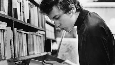 Bob+Dylan+reading.jpg