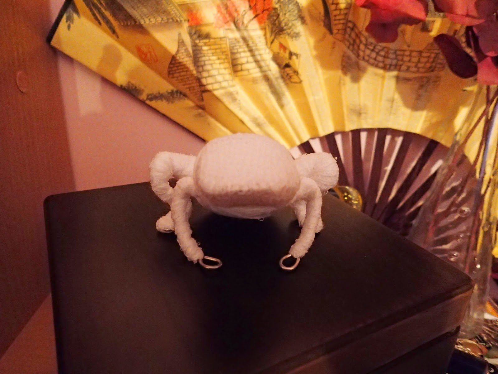 żaba z koralików