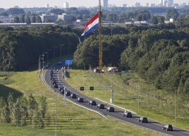 Recibimiento en Holanda a los muertos en el vuelo  MH17 de Malaysia Airlines
