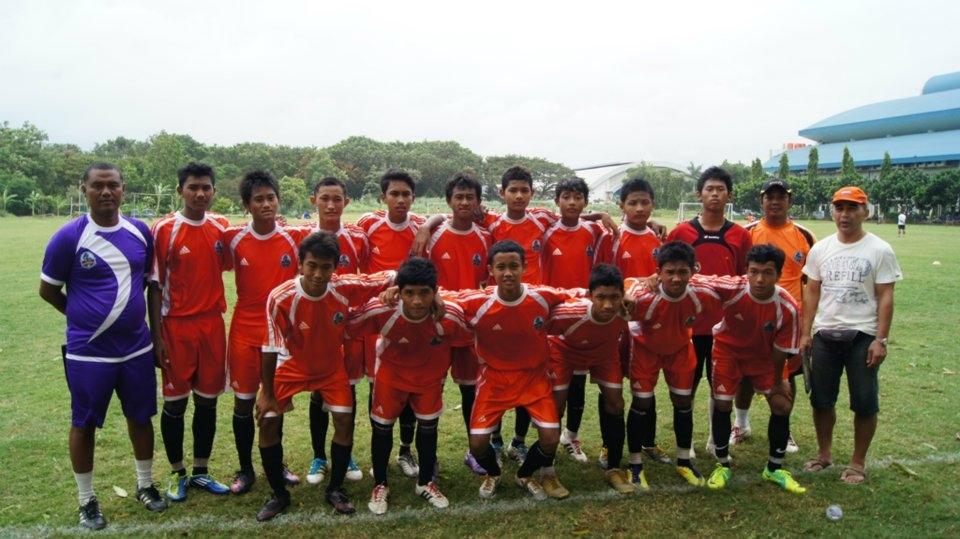 sekolah sepak bola terang bangsa desember 2012
