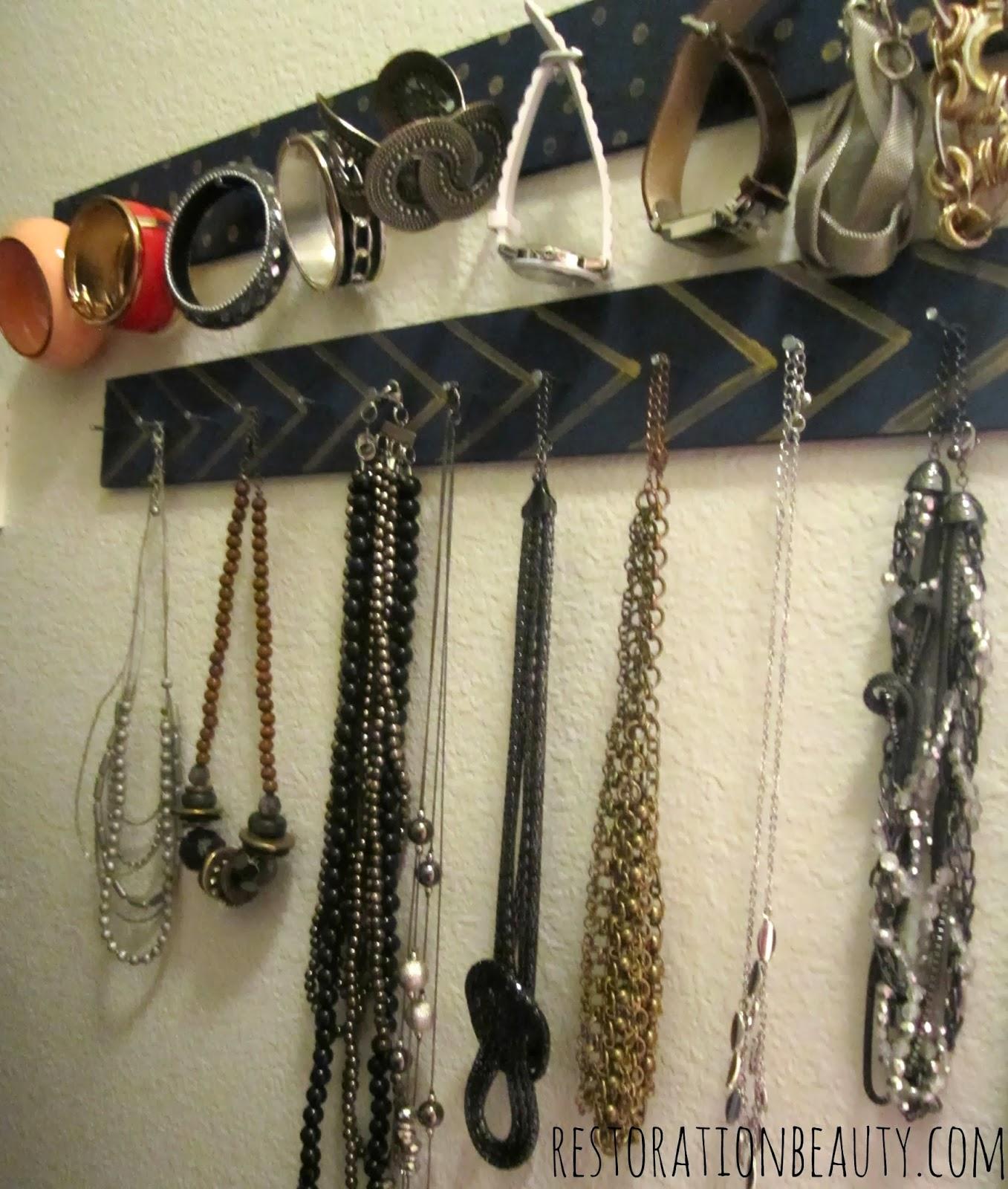 Restoration Beauty DIY Necklace Bracelet Organizer