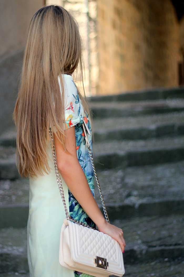 green dress, casual, traveling, pastels
