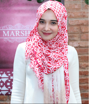 Inspirasi Fashion Hijab Dengan Gaya Cantik Ala Zaskia Sungkar Fashion Love Style