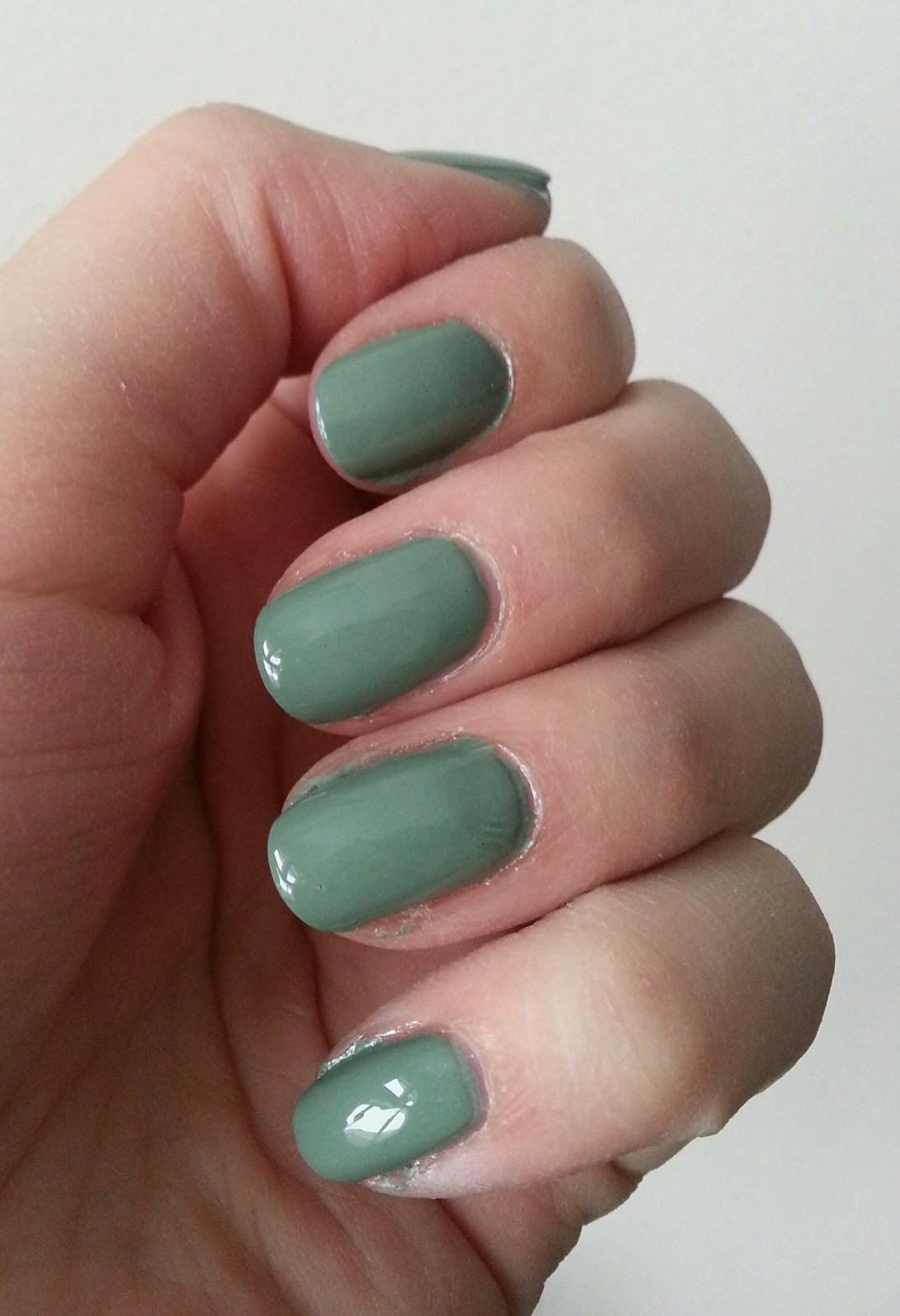 Makeup All Day Long: Nail I\'m Loving - YSL Jade Imperial