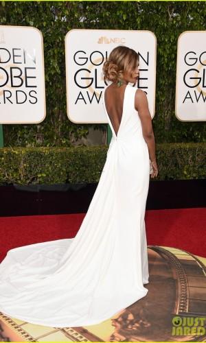 laverne cox,Golden globe awards, melhores looks, atriz, vestido longo, mãe da noiva, noiva, madrinha, branco, decote, cauda