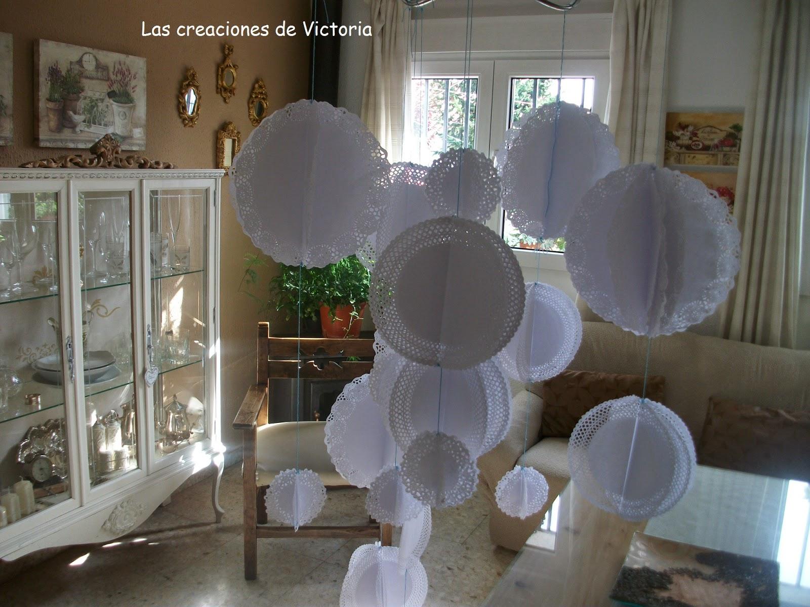 Las creaciones de Victoria.Decoración con blondas de papel.