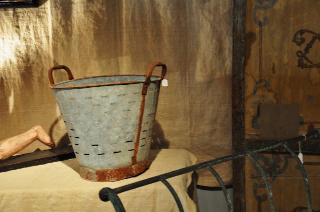 isle sur la sorgue antiquités de provence