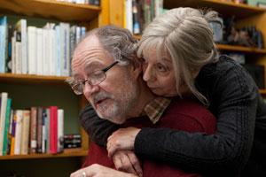 Jim Broadbent y Ruth Sheen en Another Year