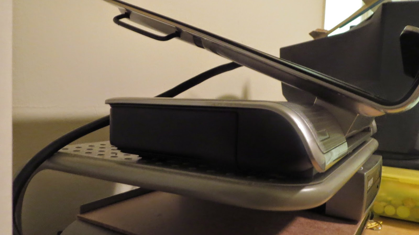Hp notebook quickdock price - The Hp Xb3000 Notebook Expansion Base Has A Slot For A 3 5 Inch Hdd On The Left Side But You Need A Special Caddy For The Hdd The Hp Xb3000 Hard Drive