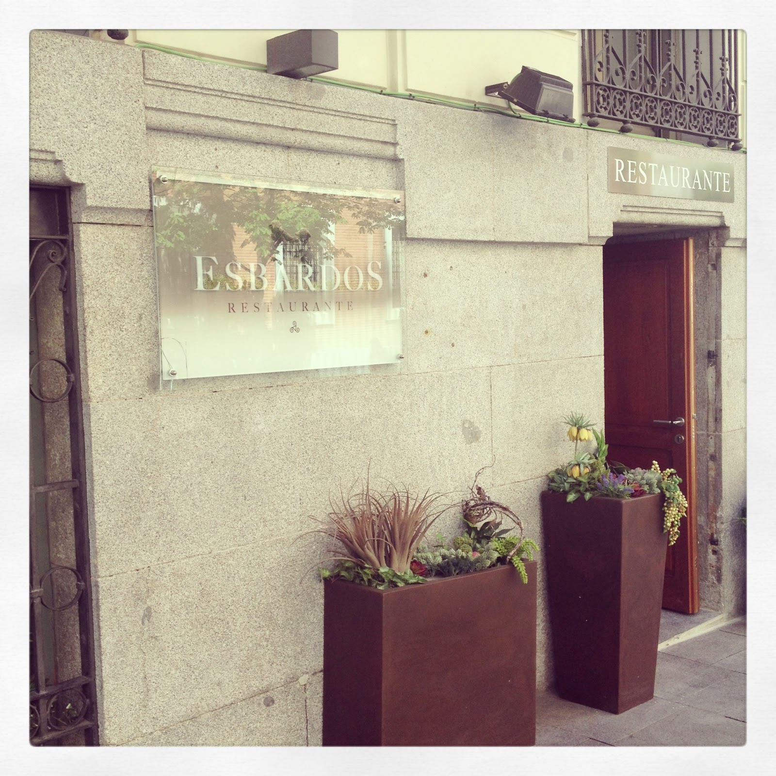 GastroHunter.- Esbardos, tradición y vanguardia en lo más chic de la gastronomía madrileña