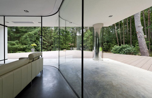 Villa Veth glass walls