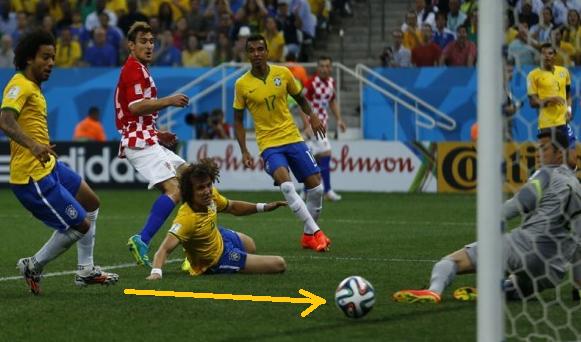 Gol Bunuh Diri Pertama di Piala Dunia 2014