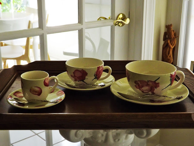 The One To Right Is Named A Breakfast Cup Guess We Can Either Pour Coffee Or Tea In Them This French Gien Rose