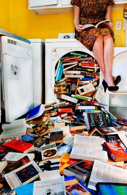 Alasan Pintar Memilih Pacar yang Hobi Membaca