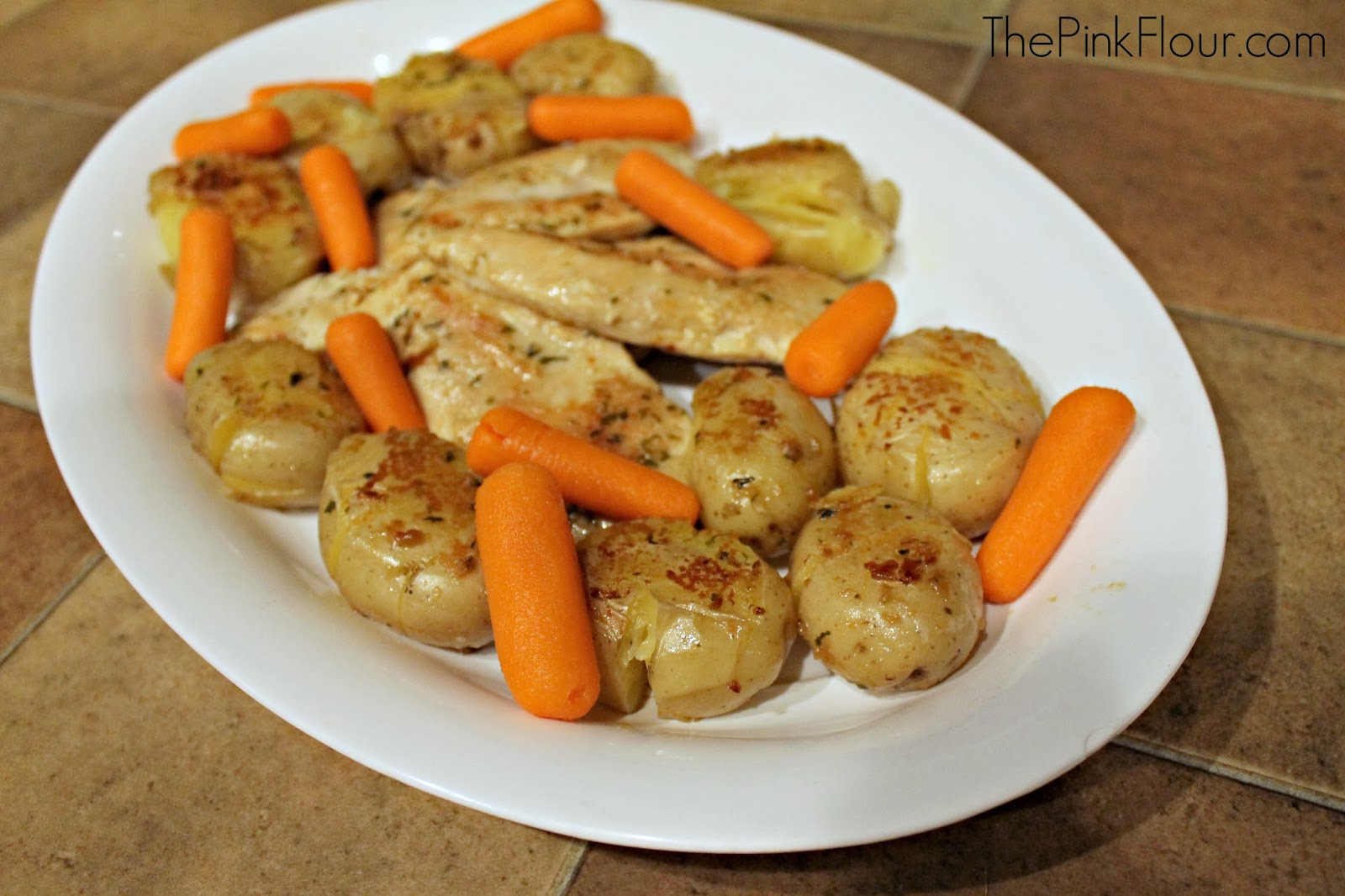 Garlic & Herb Chicken with Smashed Potoatoes from www.thepinkflour,com #shop