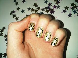 leopard print nail