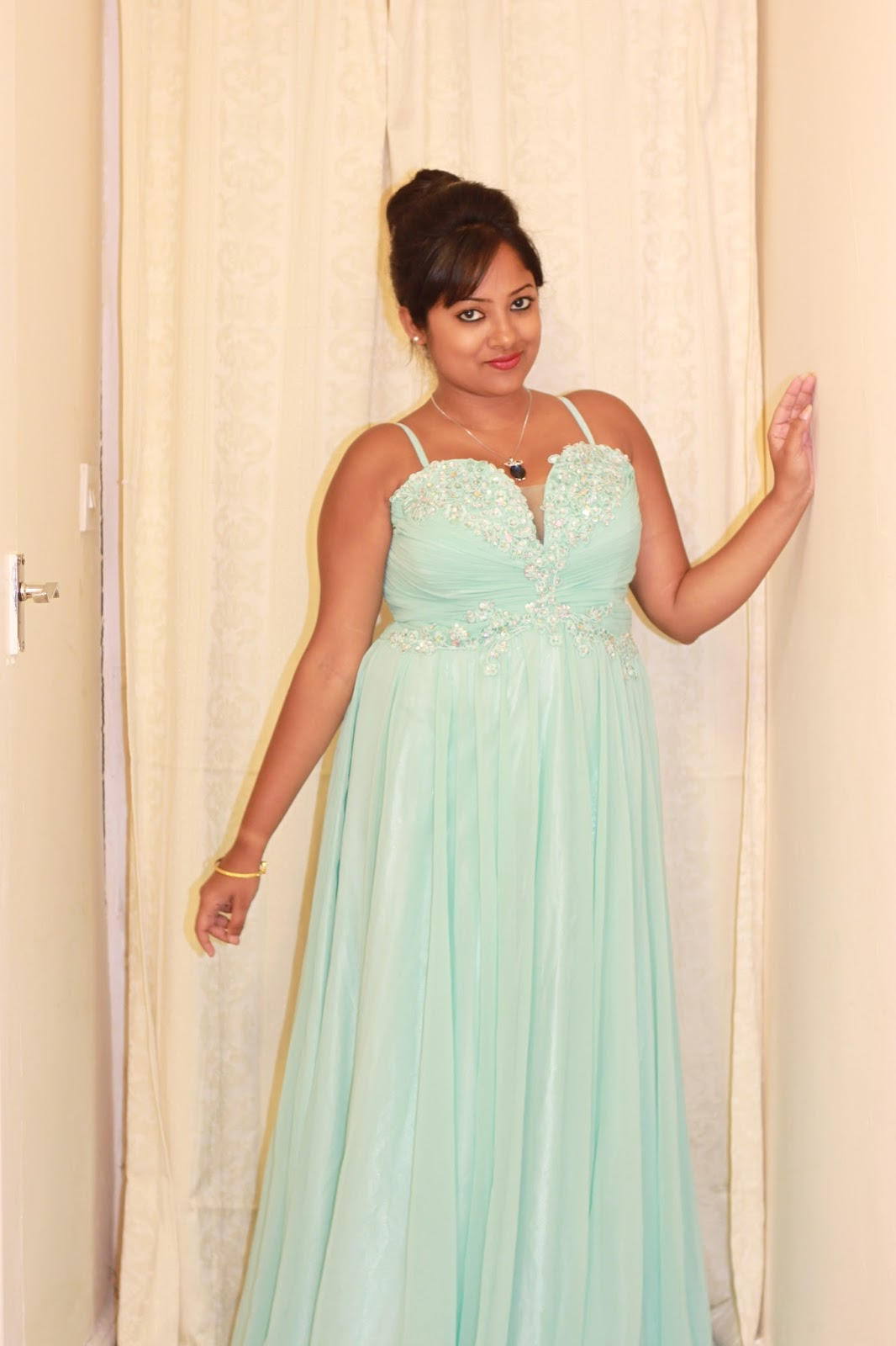 long dresses on indian girl, long dresses, maxi dresses, beautiful girl in a long dress