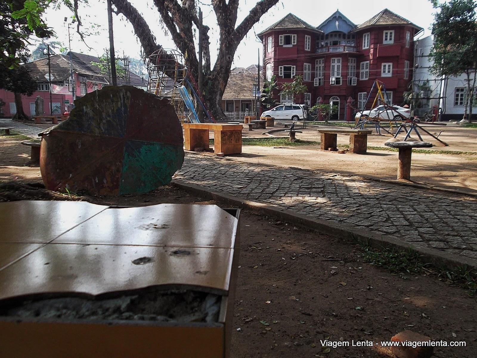 Relato de viagem à cidade de Kochi e seu forte, ex-colônia de Portugal, no litoral oeste da Índia.